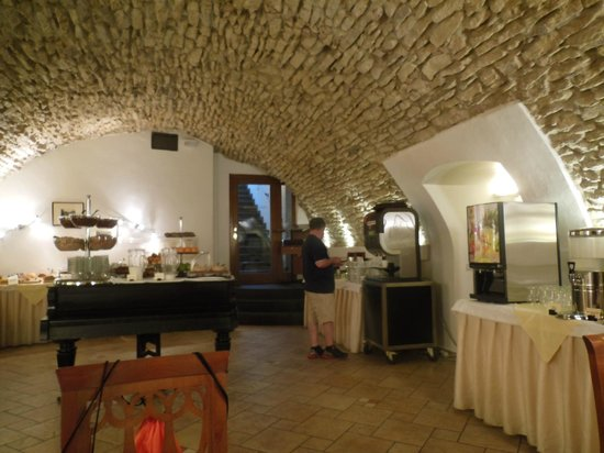Hotel Leonardo Prague : Breakfast area