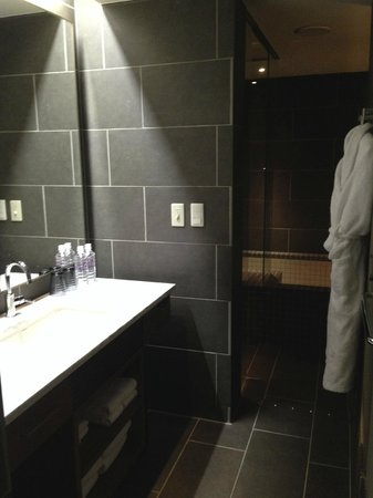 Shibuya Granbell Hotel: The vsnity area
