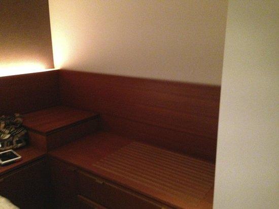 Shibuya Granbell Hotel: storage galore