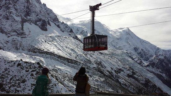 Mont Blanc: teleférico que leva la pra cima
