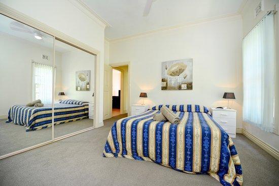 Tropic Oasis Holiday Villas: 4-5 bedroom 1st bedroom