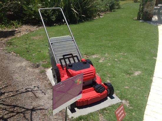 Naples Botanical Garden : LEGO of my lawnmower!