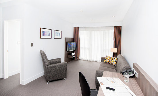 Quest Newmarket Serviced Apartments: 1 Bedroom lounge
