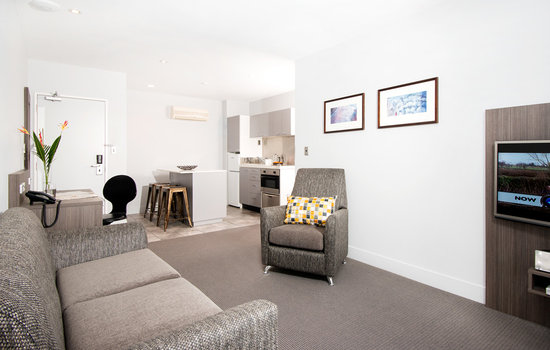 Quest Newmarket Serviced Apartments: 1 bedroom living
