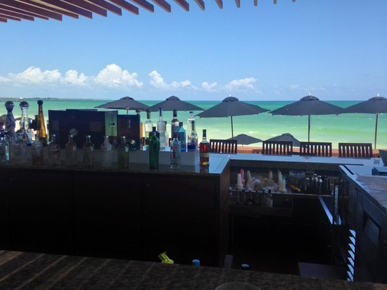 Rosewood Mayakoba: The New Pool / Beach Bar - Awesome!
