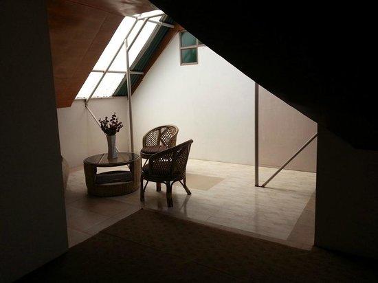 Bamboo Grove Retreat: The room