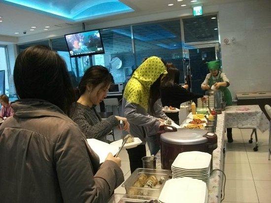 Toyoko Inn: 朝食会場