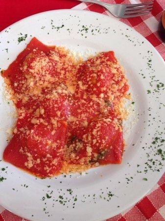 That's Amore: Ravioli de espinaca y ricota mmmm
