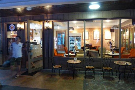Rambuttri Village Inn & Plaza: Rambuttri Village  - Coffee Blossom coffee shop
