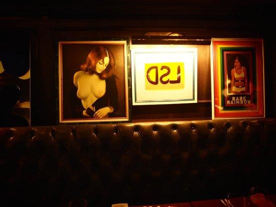Parker Palm Springs : Funky psychedelic art inside Mister Parker (Fine dining restaurant)