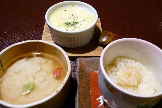 Kosugian: (写真左から)とってもおいしかったごま豆腐、山芋のグラタン、道明寺。