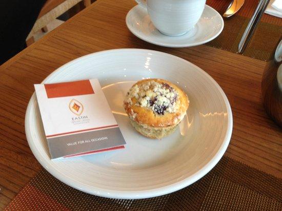 Eastin Grand Hotel Sathorn: Yummy muffins!
