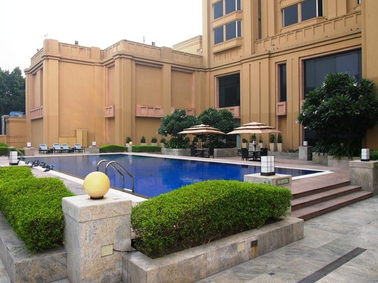 The Metropolitan Hotel & Spa New Delhi: Pool