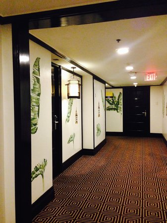 Midas Hotel and Casino : Hallway to Spa