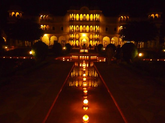 Nahargarh Ranthambhore: Wow this is what greated us.