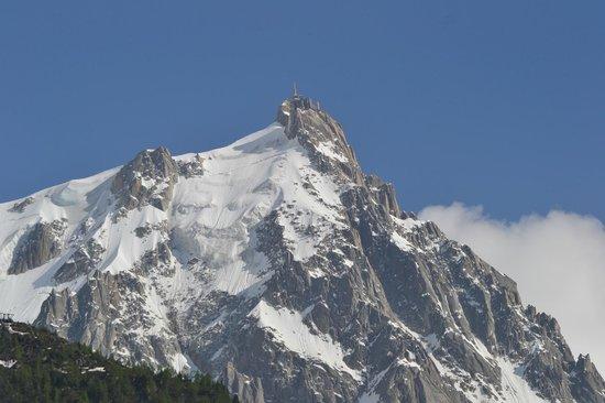 Hôtel Alpina : Esta é a vista do Aiguille du Midi do 3º andar do Hotel Alpina