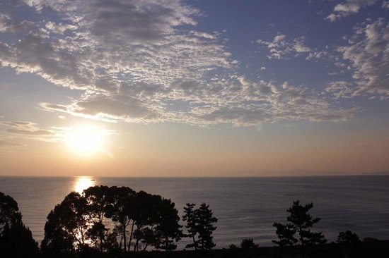 Umi No Hotel Shimahana : 部屋から眺める朝日