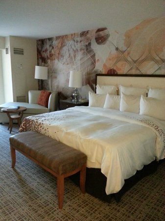 Renaissance Indian Wells Resort & Spa: Corner Room