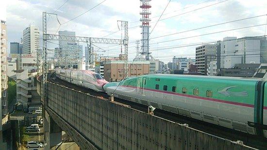 Apa Villa Hotel Sendaieki-Itsutsubashi : 鉄道好きには良いお部屋です。!!