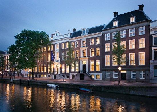 والدورف أستوريا أمستردام