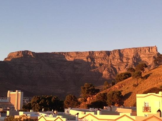 De Waterkant Cottages : The view of Table Mountain in all its glory!