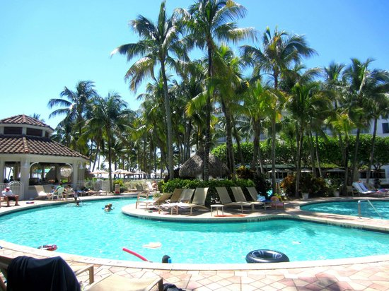 Lago Mar Beach Resort & Club: Another pool picture