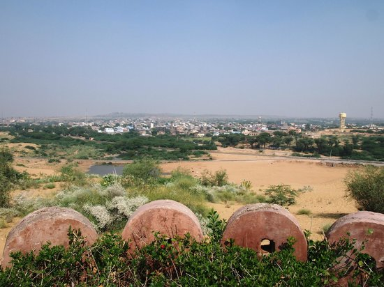 Reggie's Camel Camp: View over the Town form the Pool