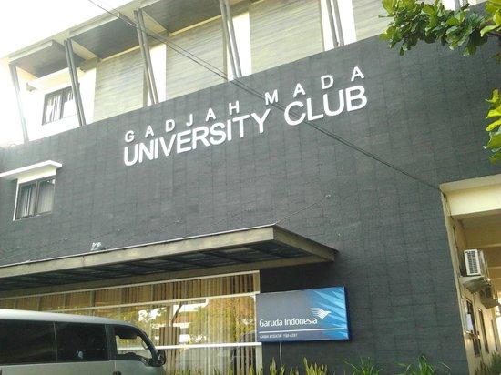University Club Hotel: tampak depan