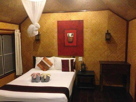 Relax Bay Resort: Prenier fan - type double bed only