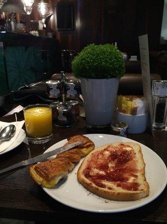 Radisson Blu Edwardian Sussex Hotel: Breakfast