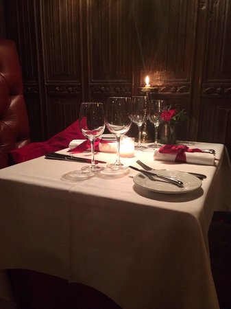 The Witchery by the Castle: Loved the tables