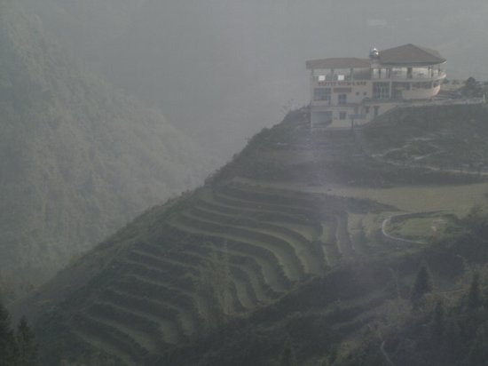Sapa Unique Hotel: view from cafe in the clouds