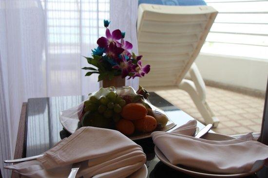 Royal Cliff Grand Hotel: Фрукты были в подарок при заселении