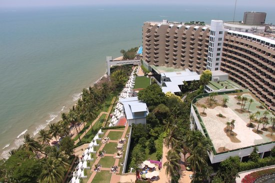 Royal Cliff Grand Hotel: Территория отеля
