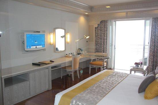 Royal Cliff Grand Hotel: Обновленный номер (попросил посмотреть)