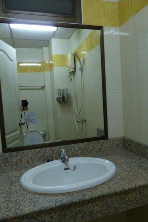 Rikka Inn : Bathroom