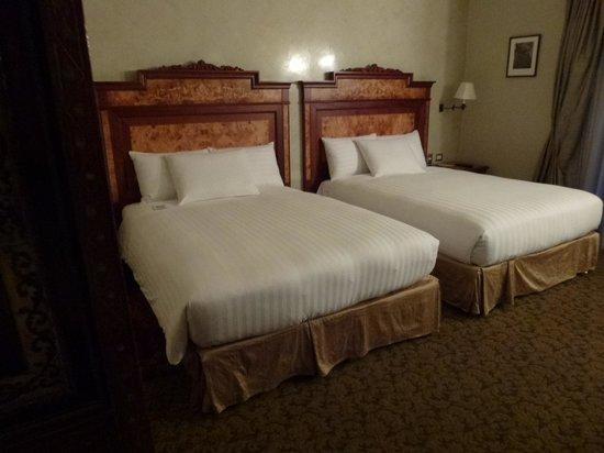 Aranwa Cusco Boutique Hotel: Quarto grande com camas confortáveis
