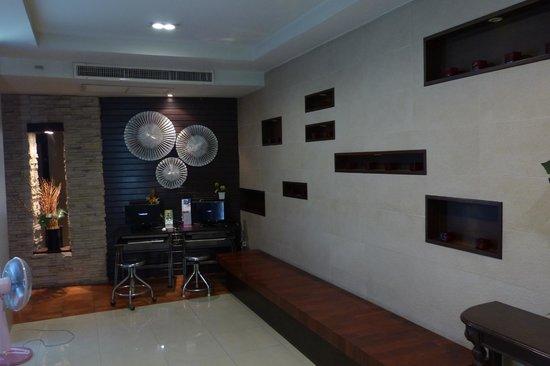 Rikka Inn - lobby area