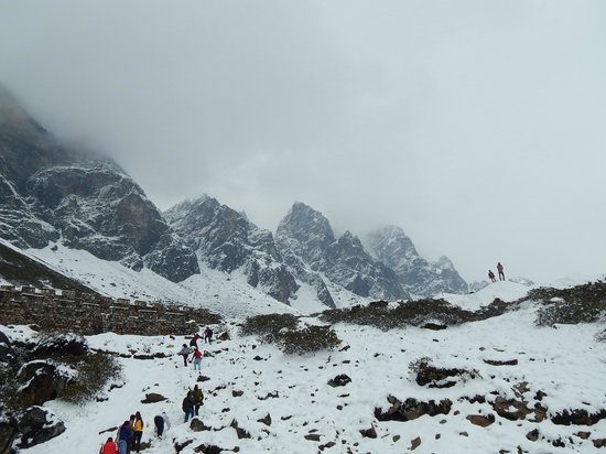 Lachung, Indien: Mist and Snow