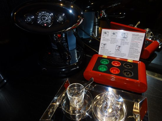 Grand Hyatt Erawan Bangkok: Espresso machine