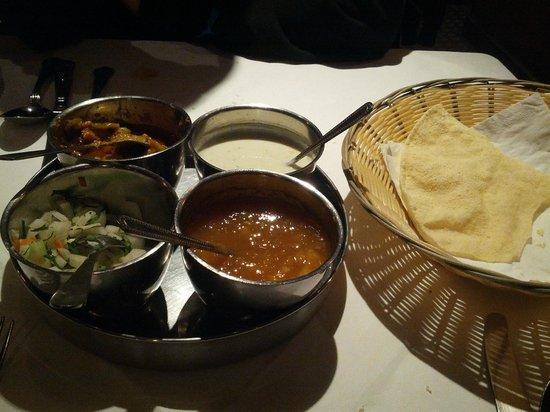 Little India: Aperitivo e antipasto