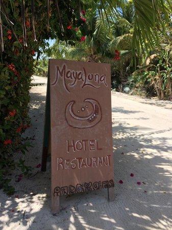 Hotel Maya Luna: Entrada al hotel.