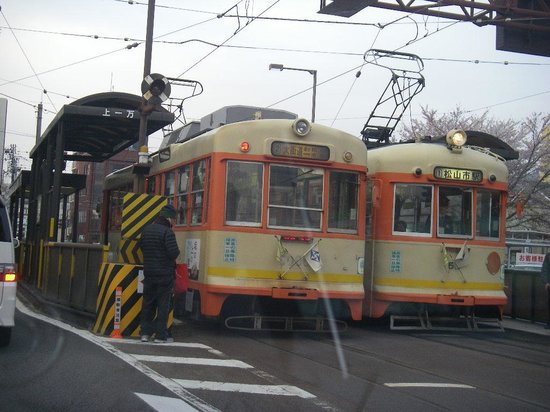 Dogo Onsengai: 路面電車