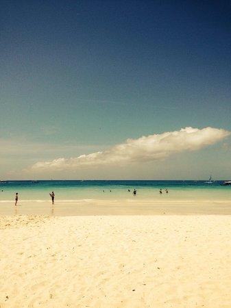 White Beach )))