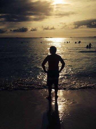 White Beach: Закат