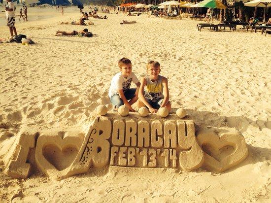 White Beach: BORACAY