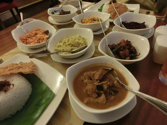 Deco On 44 : Sri Lankan rice and curries