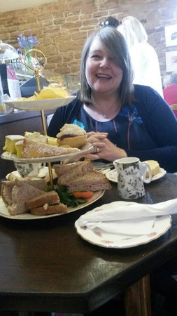 Beauvale Priory Tearooms: My mum's birthday treat :-)