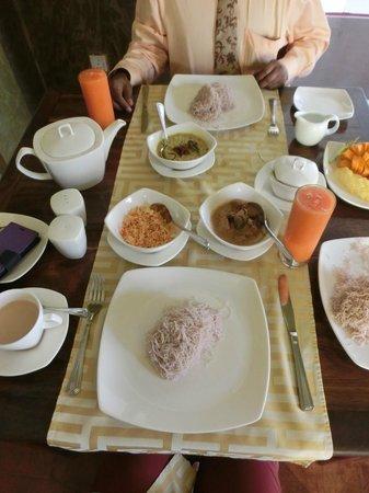 Deco On 44: Splendid breakfast
