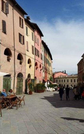 Albergo La Rocca: ...a pochi passi dall'hotel